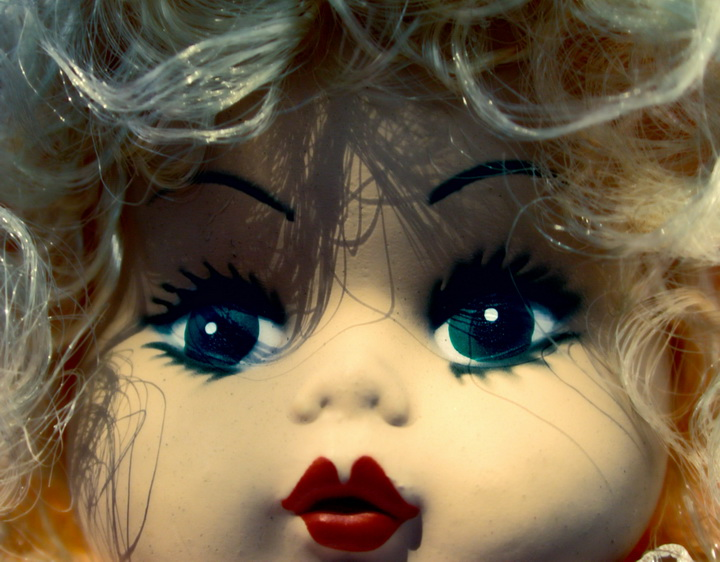 310033 Red lips doll_resize